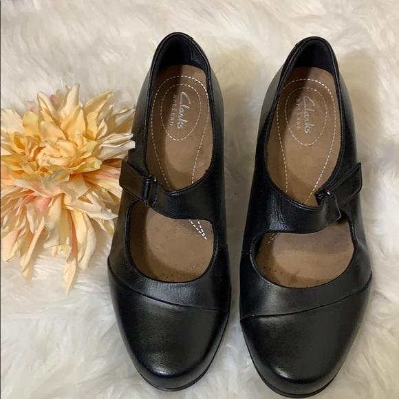 b617b37dc7 Clarks Shoes   Clark Artisan Rosalyn Wren Mary Jane   Poshmark